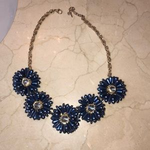 Beautiful blue flower necklace